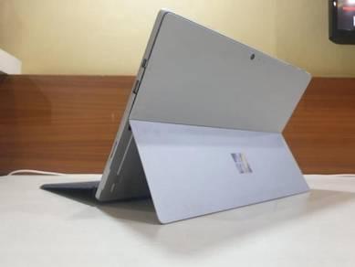 Microsoft Surface Pro 5, With Original Keyboard