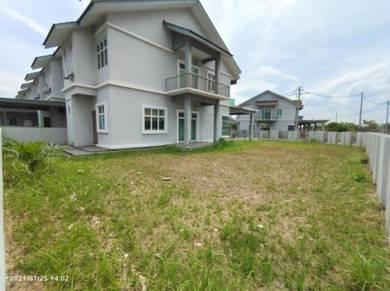 Good Deal Double Storey Terrace Corner Big Land At SP Saujana For Sale