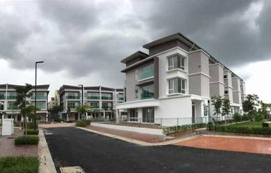 3 Storey House【20 x 79】FULL LOAN Alstonea Subang Jaya