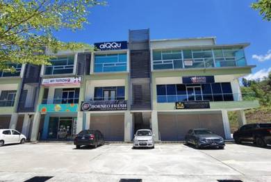 Renovated Mainroad Shoplot With Rental Income at Suria Inanam