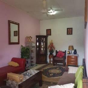 Rumah teres setingkat Taman Nusari Bayu 1