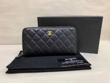 CHANEL Classic Long Zipped Wallet Lambskin Black