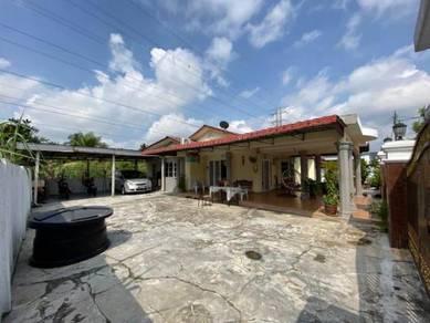 FREEHOLD Corner Lot Single Storey Bungalow Taman Serdang Jaya