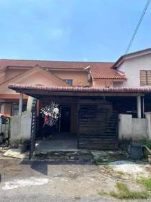 For Sale 1.5 Storey Taman Serendah Makmur Rawang Renovated