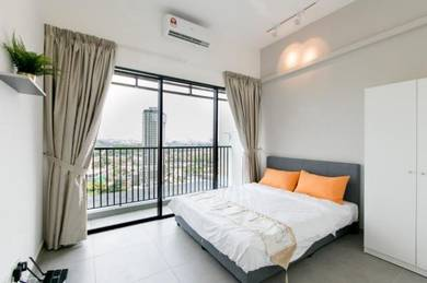 Free aircond,wifi, water usage & 1 month deposit balcony room