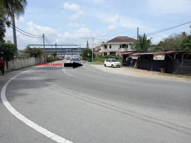 Tanah Tepi Jalan Berdekatan Pantai Batu Buruk untuk dijual