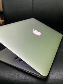 Macbook air 13 inch i5 256gb