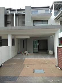 (Below Market) Spring Villa 3 Storey Renovated Mahkota Cheras Sg Long