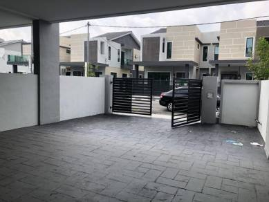 New Double Storey Terrace For Sale Downpayment RM880 only !!