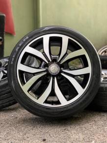 Mercedes 18 inch sport rim Mercedes A200 tyre 70%