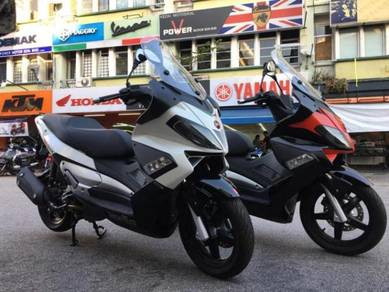 Aprilia SR MAX 300 ( LOW DEPOSIT & FREE APPLY ! )