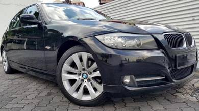 BMW 320i Sport I-Drive TV GPS Tahun Dibuat 2012