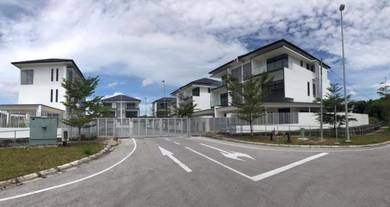 3 Storey Semi D (3800 sqft) (Gated) at Country Heights Kuching