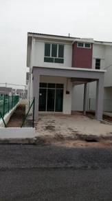 100% loan end lot rumah teres Dua tingkat  dah siap di Puteri Jaya