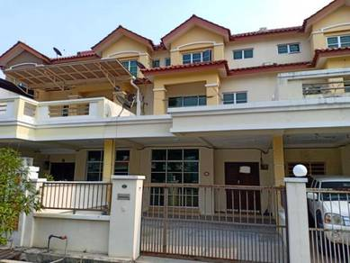 3 storey terrace house for rent at Taman Seri Arowana - Seberang Jaya