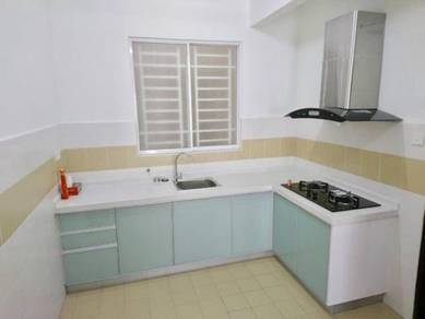 D Piazza Condo, Fully Renovated, 1100sf, 2 Car Parks