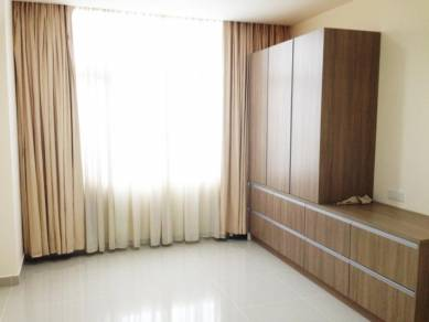 Emerald evenue selayang next to hospital for rent