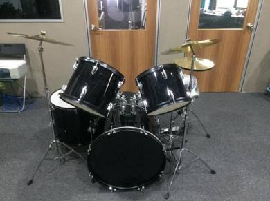 5 piece drum set / drumset / drum