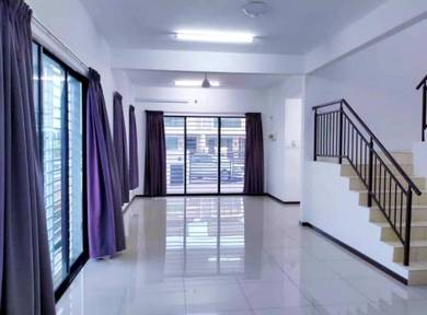 End Lot Double Storey Terrace,Taman Saujana KLIA (Type Maraylis)