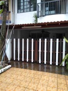 SELAYANG UTAMA Partly Furnish 2 storey House(opp.Selayang Mall)