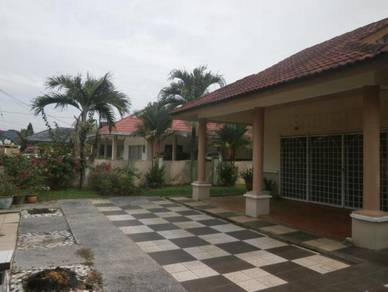 BELOW MARKET 1 sty bungalow FREEHOLD Gated & Guarded Bukit Sentosa
