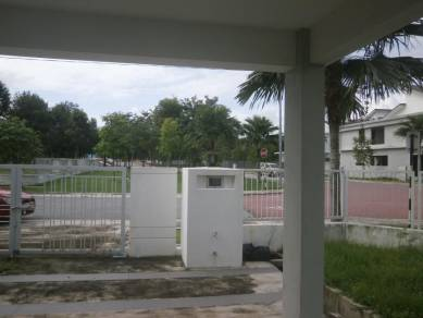 NEW CORNER 2 Sty Semi D BELOW MARKET 24hr Gated & Guarded,Clubhouse,