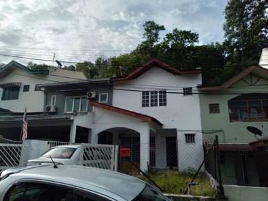 BELOW MARKET, RENOVATED 2 Storey Pinggiran Templer Bdr Baru Selayang