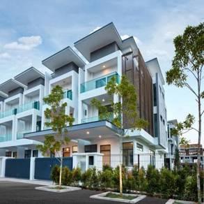 [Fully Furnished] 3-sty Landed Property superlink at Bukit Puchong
