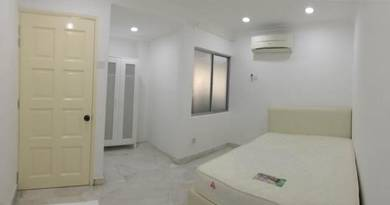 All Bills In - SS17/3B Large Room with Private Bathroom ( SS15 LRT )