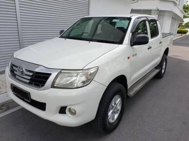 2011 Toyota HILUX 2.5 STD FACELIFT (M)