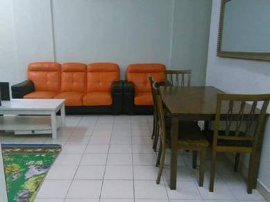 Homestay Mantin with swimming pool