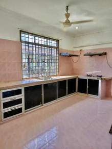 TAMAN IRA, KANGAR (Rumah Cantik & Siap Kitchen Cabinet)