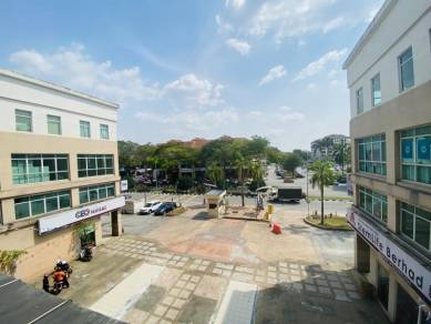 Office Lot in Greentown Square