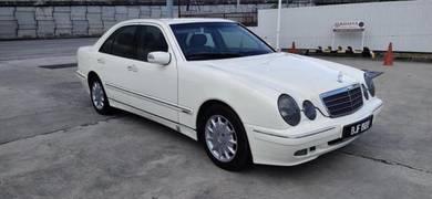 Mercedes Benz E240 (CBU) 2.4 (A)One owner