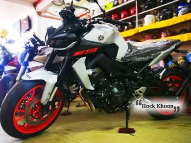 Hock Khoon - Yamaha Mt 09 White