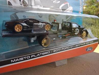 Maisto Flatbed & 2017 Ford GT
