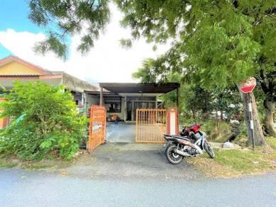 Freehold Corner Lot Single Storey at Taman Gombak