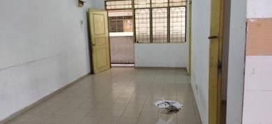 Mentari Court Bandar Sunway Apartment For Sale 270k nego