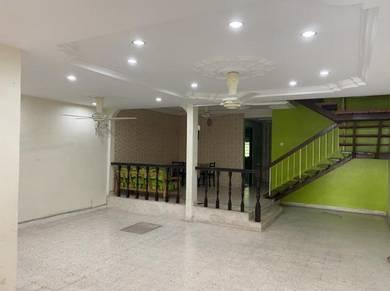 Nice renovated double storey shah alam