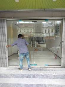 Safety Glass Wall/ Glass Divider (Credit Card)