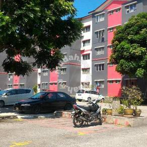 Iris apartment for rent - block c infront guard