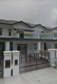 Double Storey Terrace House / Mount Austin