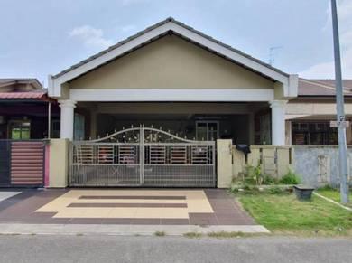 Good condition 1 storey terrace taman pulai indah below market price