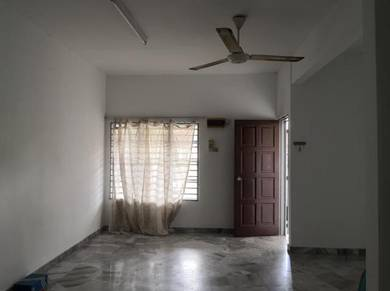 USJ 1 Double Storey House For Rent 1500