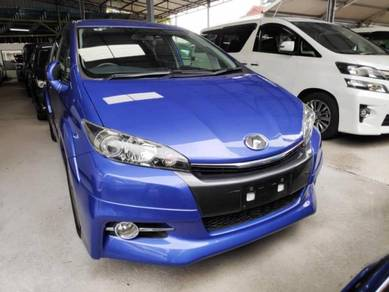 Unreg 2014 Toyota WISH 2.0 Z Dual Tone Interior