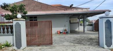 Low Deposit Corner Lot Taman University Jalan Kebangsaan / Rumah Sewa