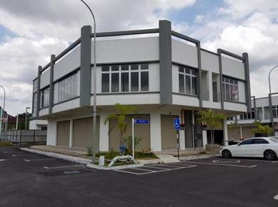 Corner Shop at Pekan Salak / Sepang F1 / KLIA / Sepang