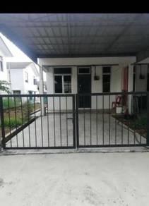 End Lot Taman Mutiara Rini Jalan Bestari / Skudai / Rumah Sewa