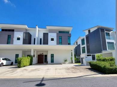 Fully Furnished 2 Storey Semi D Sejati Residences Cyber With Clubhouse