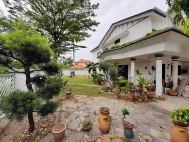 Beautiful Semi D House Near Ipoh Garden